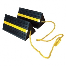 "TC4L 10"" Rubber Wheel Chocks with 36"" Connecting Rope"